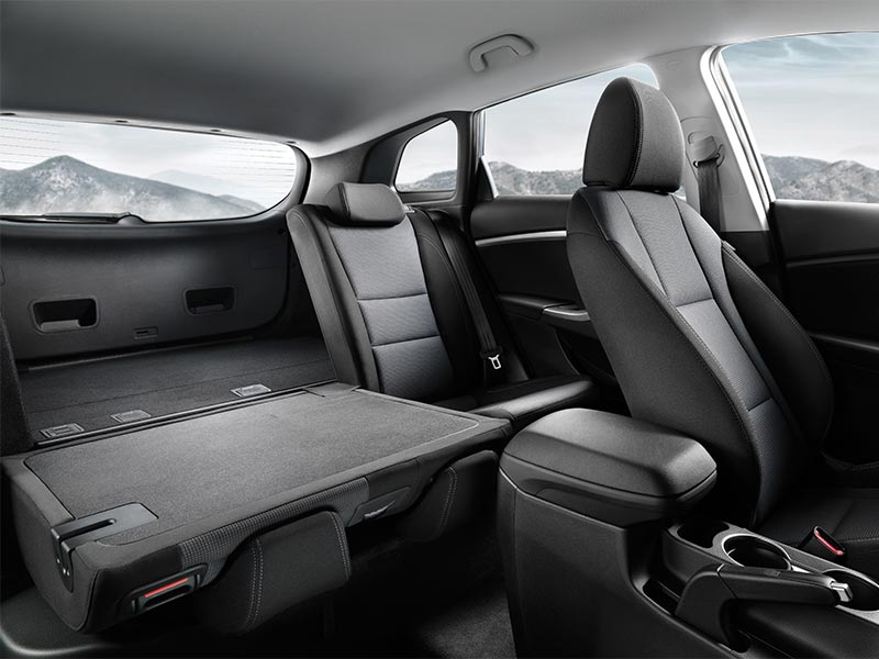i30-series-II-tourer-interior-spacious-interior-800x600